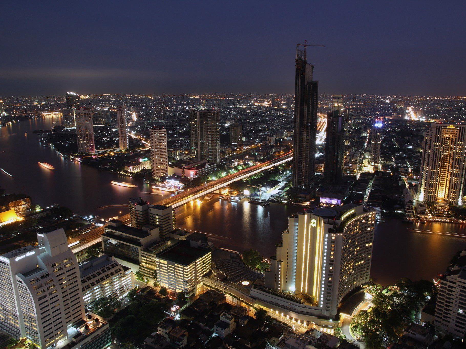 Hochhäuser und beeindruckende Wolkenkratzer prägen das Aussehen der thailändischen Hauptstadt Bangkok.