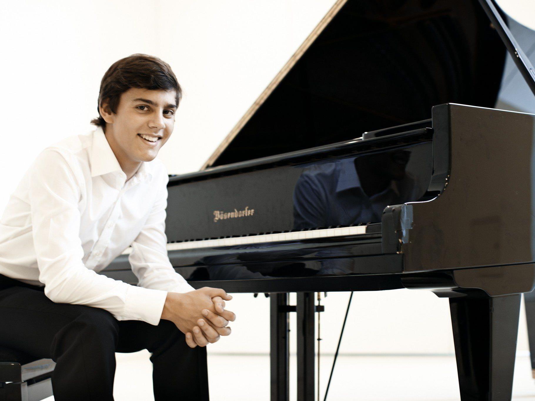 Der Dornbirner Pianist Aaron Pilsan ist erst 18 Jahre alt und zählt zu Vorarlbergs Ausnahmetalenten.