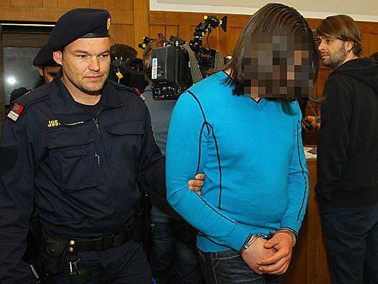 Milosav M., wegen Mord an dem dreijährigen Cain schuldig gesprochen, bei seiner Verhandlung im März 2012.