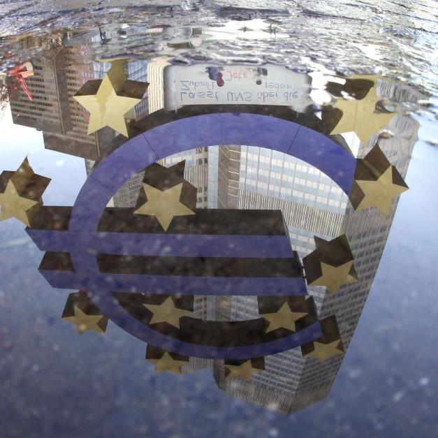 Eurozone steckt in der Rezession fest.