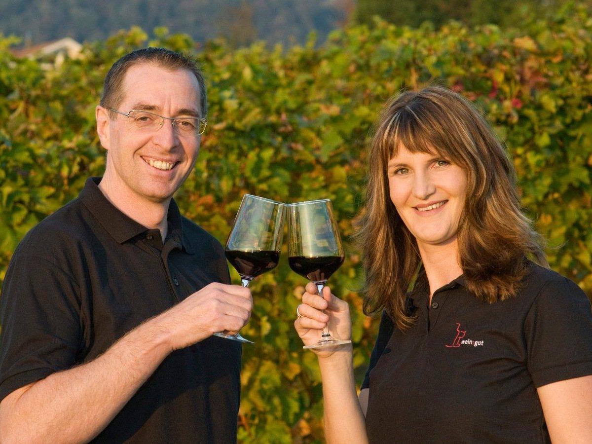 Andrea Sinz und Herbert Bischof offerieren allen Freunden des guten Weines wieder eine feine Auswahl an Weiß- und Rotweinen aus ihrem Österreich-Sortiment.