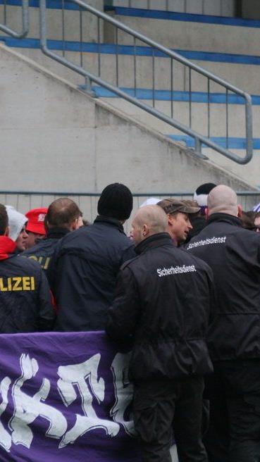 Nur kurz sorgten die Austria Salzburg Fans für Unruhe. Aber es gab keine Ausschreitungen.