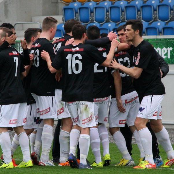 Der SC Bregenz jubelt über einen 3:2-Derbysieg bei den Altach Amateuren.