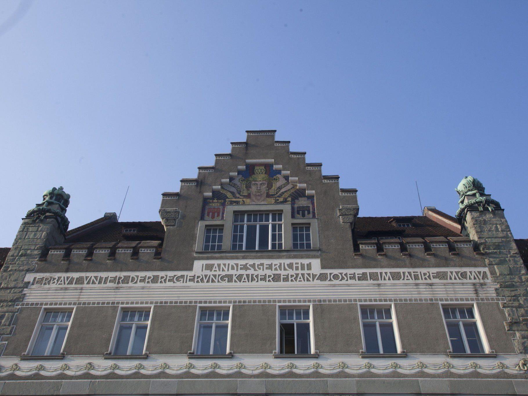 Prozess um Geldwäscherei und schwerem Betrug in Feldkirch: Haft für 49-Jährigen.