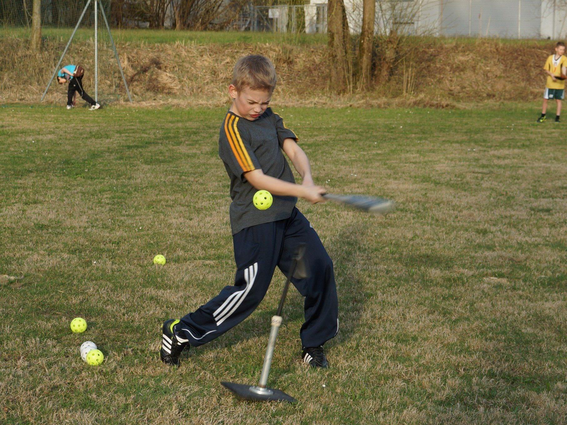 Wir brauchen Verstärkung: Die Lochau Mariners laden Jung und Alt zum Baseball-Spielen an den See.