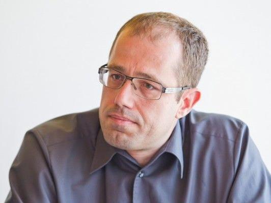 Die Degradierung des Vaters zum Bankomaten ist ungerecht, findet der Landesvorsitzende der Männerpartei, Hannes Hausbichler.