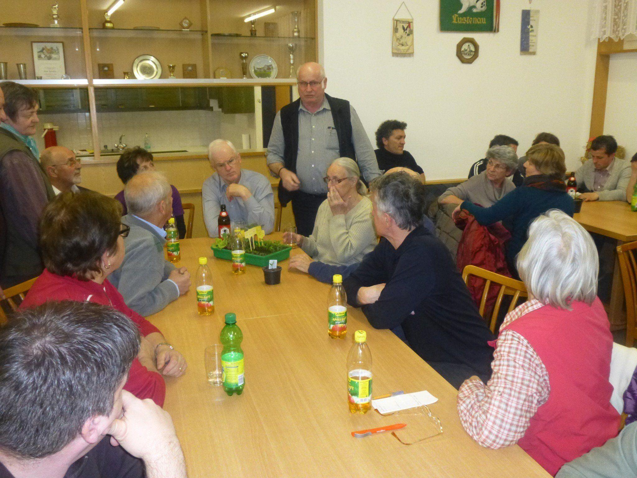 Obmann des OGV Manfred Kremmel gab an diesem Abend viele Tipps