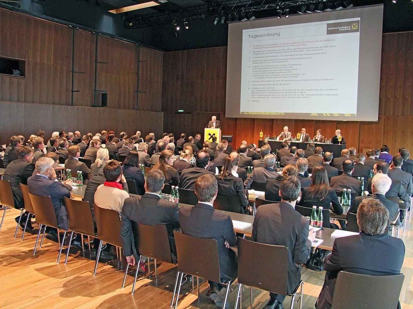 Die Generalversammlung der Raiffeisenlandesbank Vorarlberg im Festspielhaus Bregenz.