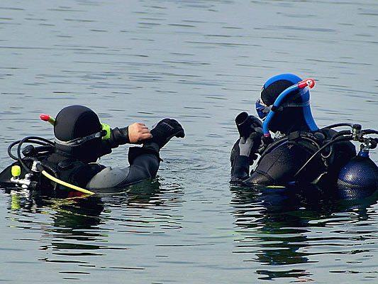 Toter Taucher aus Bodensee geborgen - Ermittlungen zur Unglücksursache dauern an.