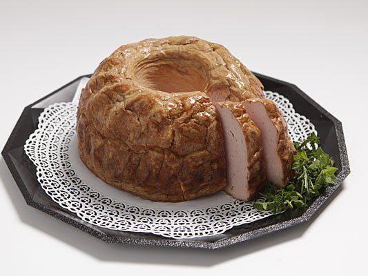 Eine der Wurst-Torten aus der Fleisch-Konditorei