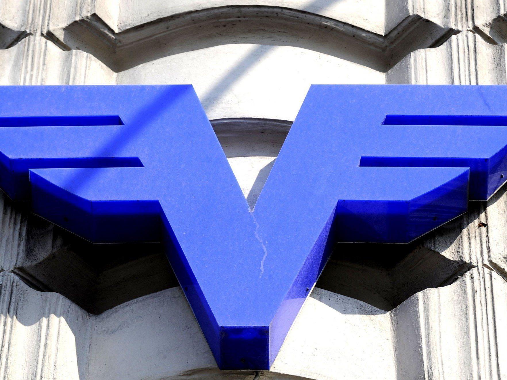 Fünf-Millionen-Abschreibung der indirekten Beteiligung an der Österreichische Volksbanken AG.