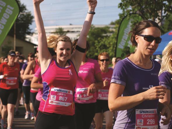 Bereits zum vierten Mal machen sich über 4.500 Frauen auf, die fünf Kilometer lange Strecke zu bewältigen.