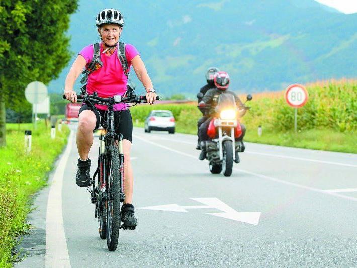 E-Bikes: Erste Unfallstatistiken deuten auf ein höheres Unfallrisiko und schwerere Verletzungen hin.