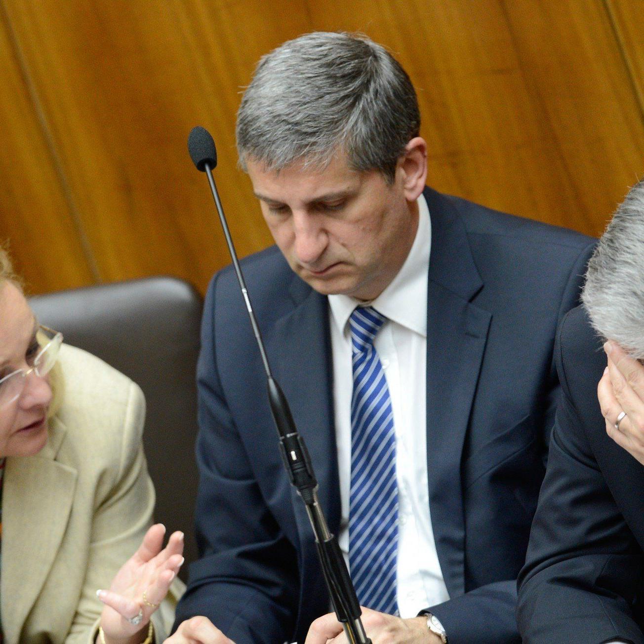 Vizekanzler wiegelt im Koalitionsstreit um Briefentwurf ab.