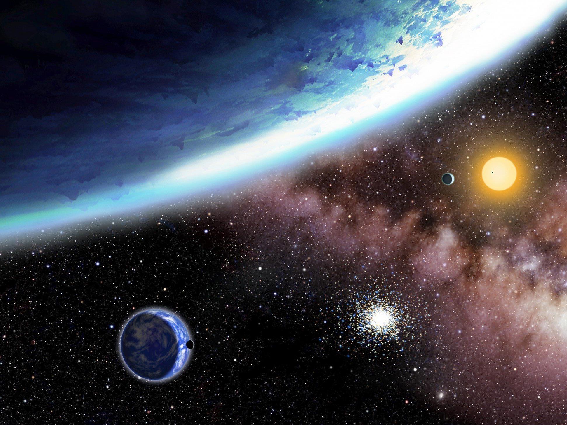 Künstlerische Illustration von Kepler-62e und -62f: die bislang kleinsten beobachteten Planeten, die in der habitablen Zone eines Sterns kreisen.