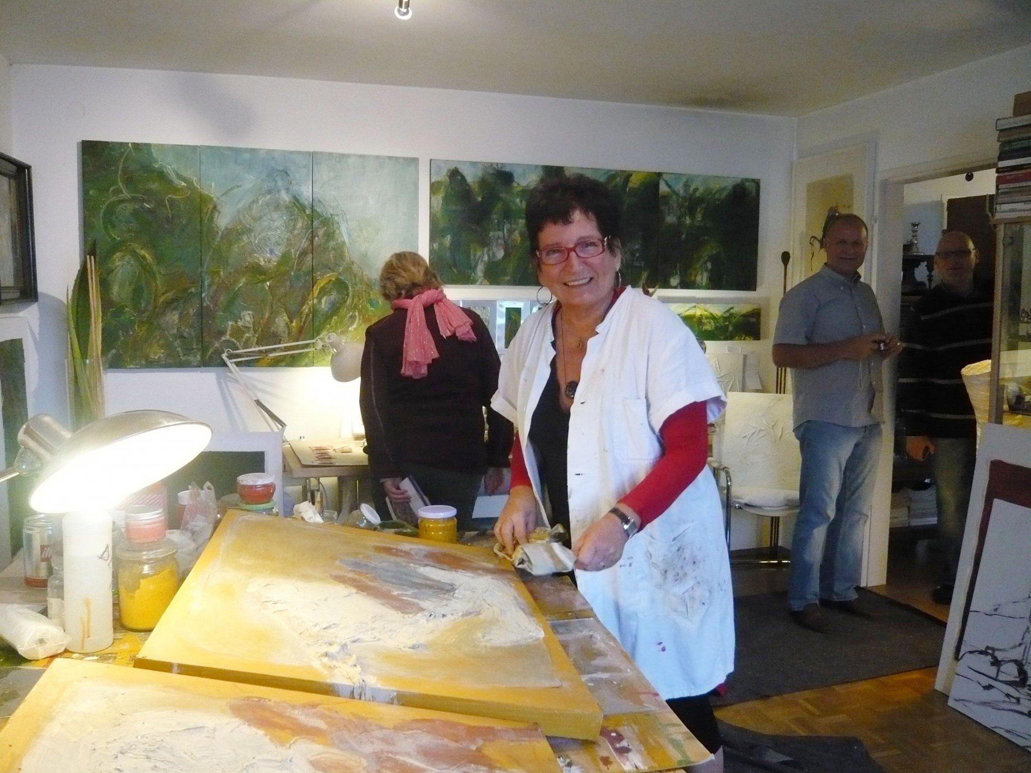 Ilse Konrad in ihrem Atelier in Bregenz.