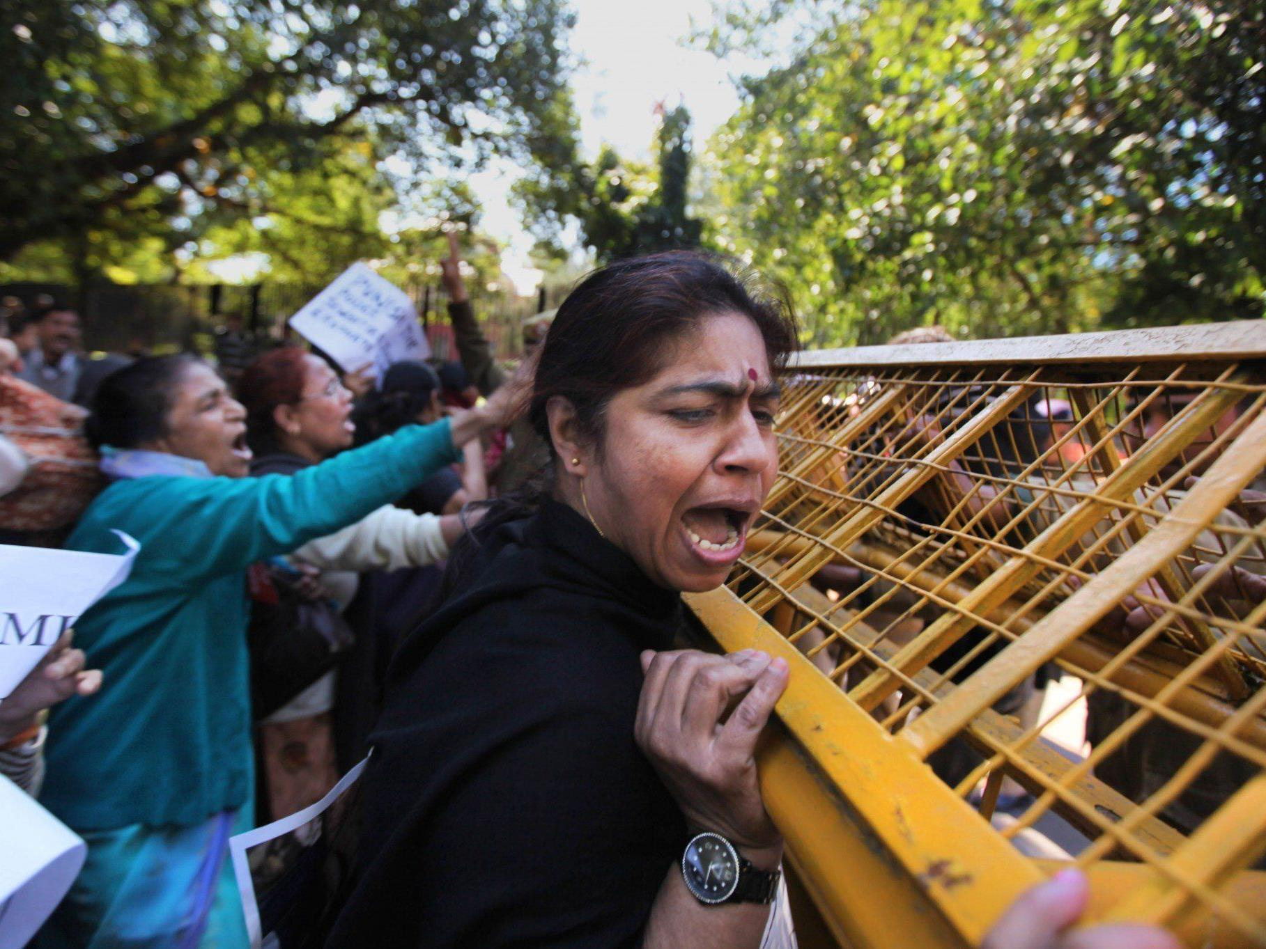 Indien: Die Bevölkerung fordert härtere Strafe für Vergewaltiger.