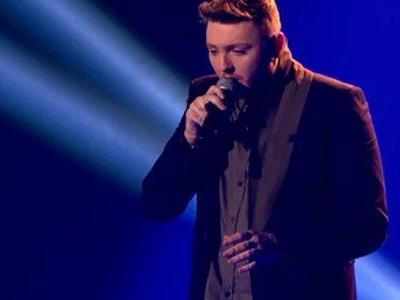 James Arthur singt über verlorene Liebe und all seine Hoffnungen, die sich nicht erfüllt haben.