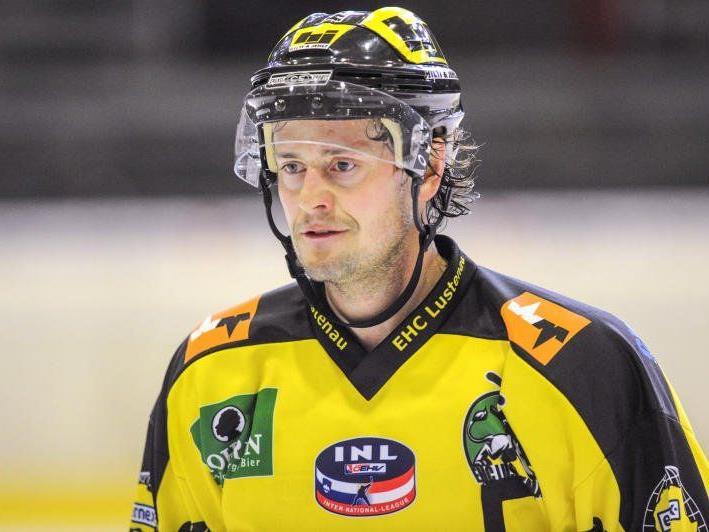 Toni Saarinen spielt auch nächste Saison für den EHC Lustenau.