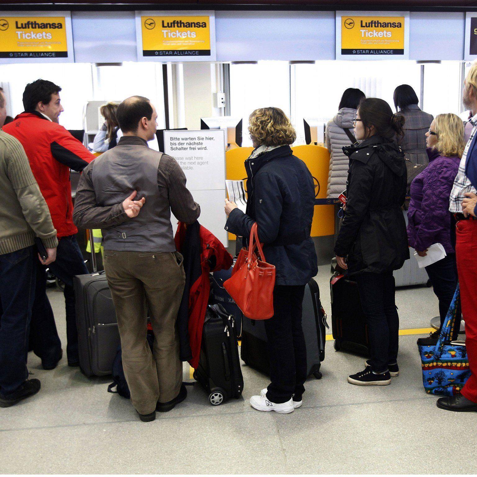 Bis zu 35 Lufthansa-Verbindungen mit Österreich betroffen.