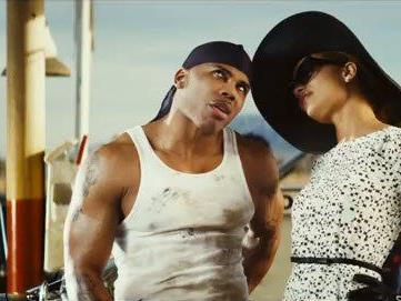 . Im Video zur neuesten Single spielt Nelly einen Automechaniker