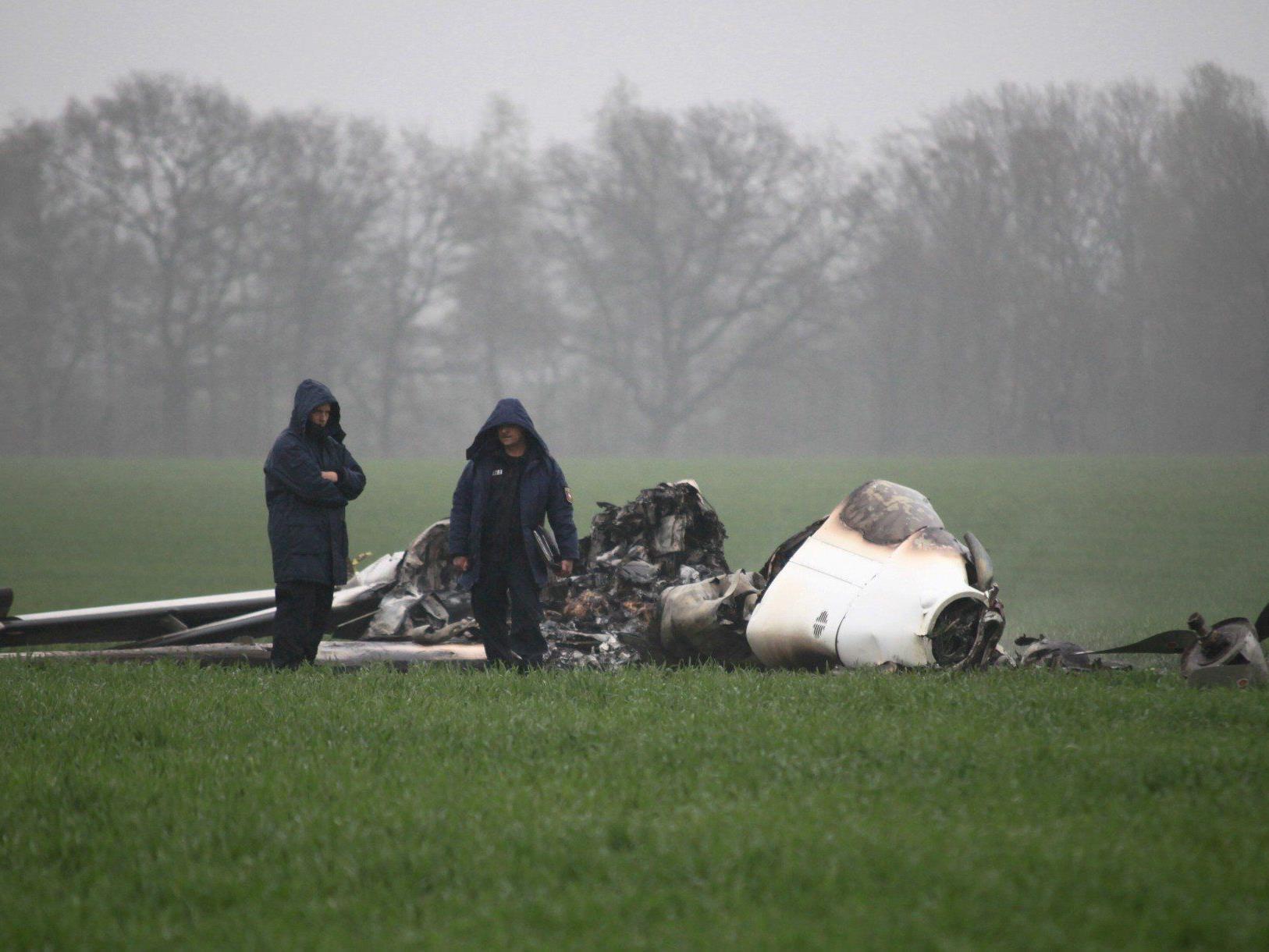 Keine Überlebenden nach Flugzeugunglück in Niedersachsen.
