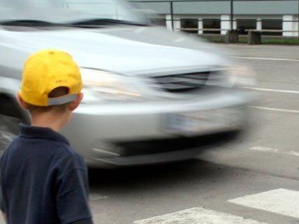 10-Jährige auf Schutzweg angefahren