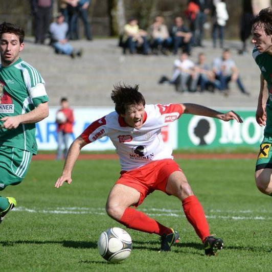 Manuel Honeck schoss im Heimspiel der Rothosen gegen Wals/Grünau zwei Tore.