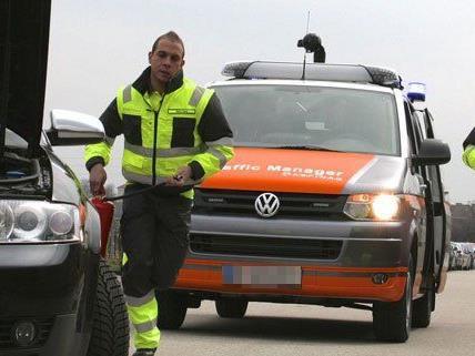 Einsatzfahrzeuge der Asfinag sollen in Wien und Umgebung für mehr Verkehrssicherheit sorgen.