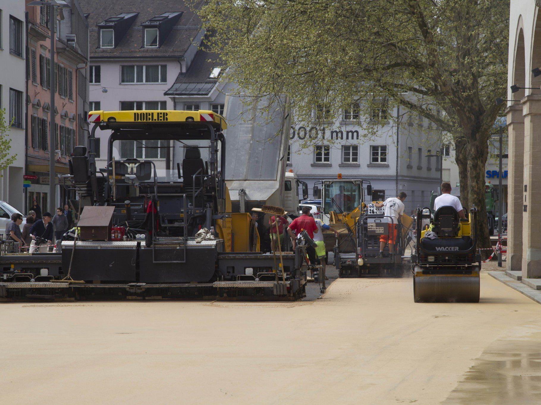 Am Freitag wurden die Belagsarbeiten wieder aufgenommen.