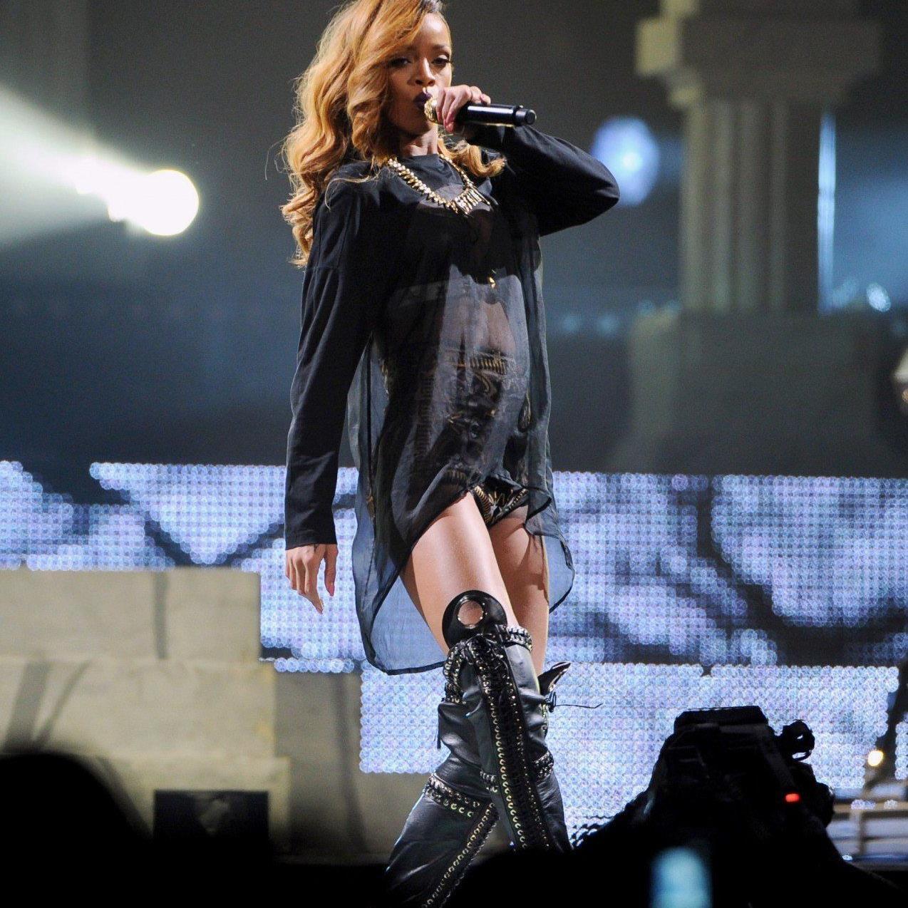 Popstar Rihanna lässt Fans warten