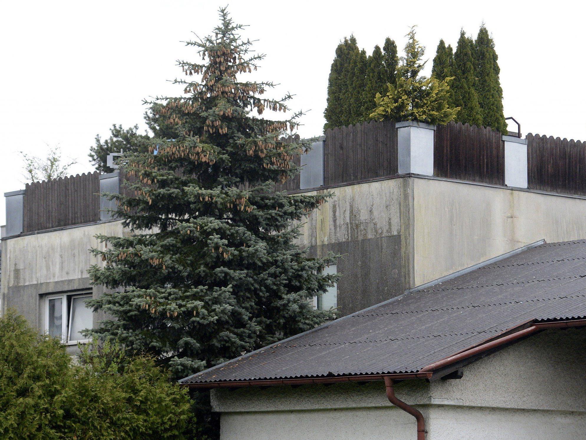 Das Hauses in Amstetten, in dessen Keller die 42jährige Elisabeth F. 24 Jahre lang von ihrem Vater Josef F. festgehalten wurde.