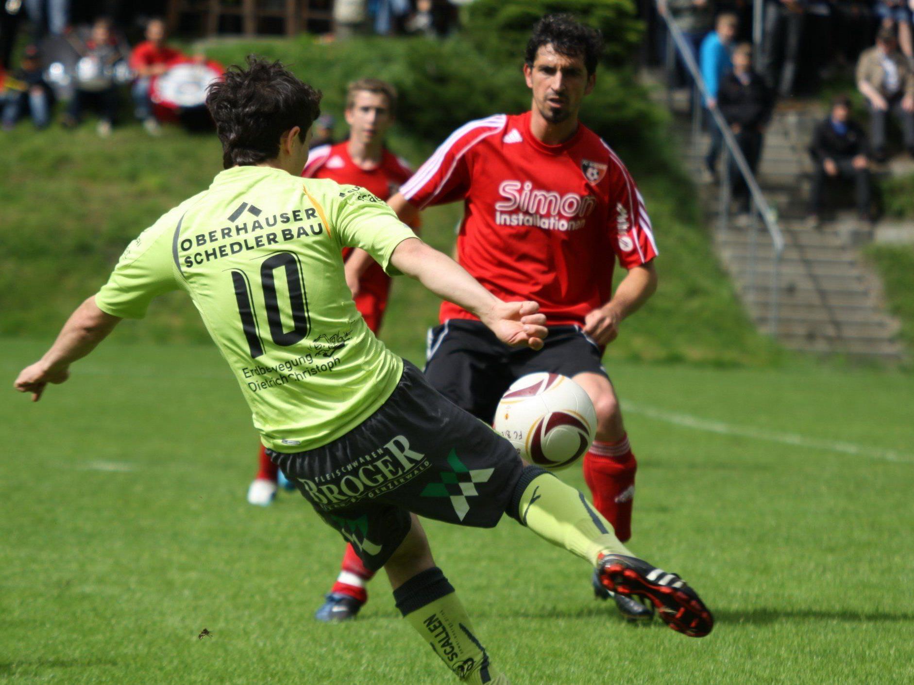 Bizau-Stürmer Murat Bekar will gegen Alberschwende ins Schwarze treffen.