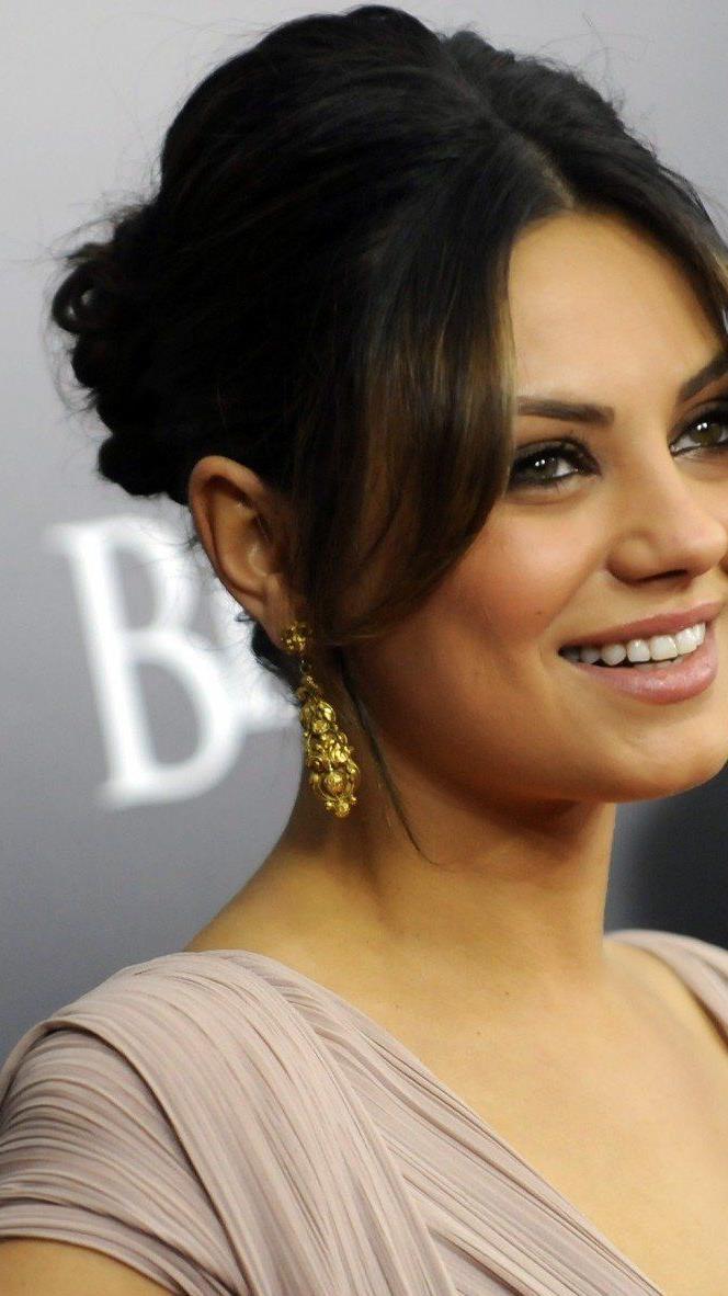 """Mila Kunis ist die """"Sexiest Woman In The World 2013""""."""