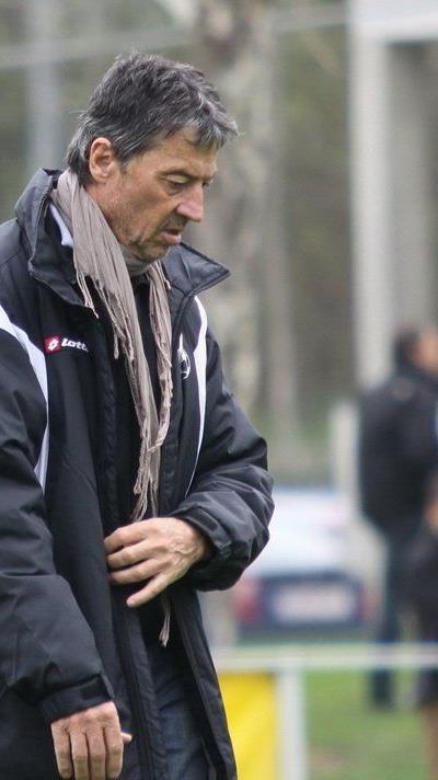Hans Jürgen Trittinger bleibt Trainer beim Hella Dornbirner SV.