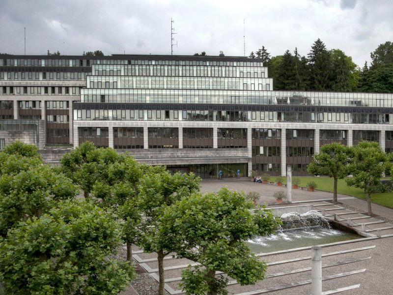 Die Landesregierung gab 80 Millionen Euro für externe Dienstleistungen aus.