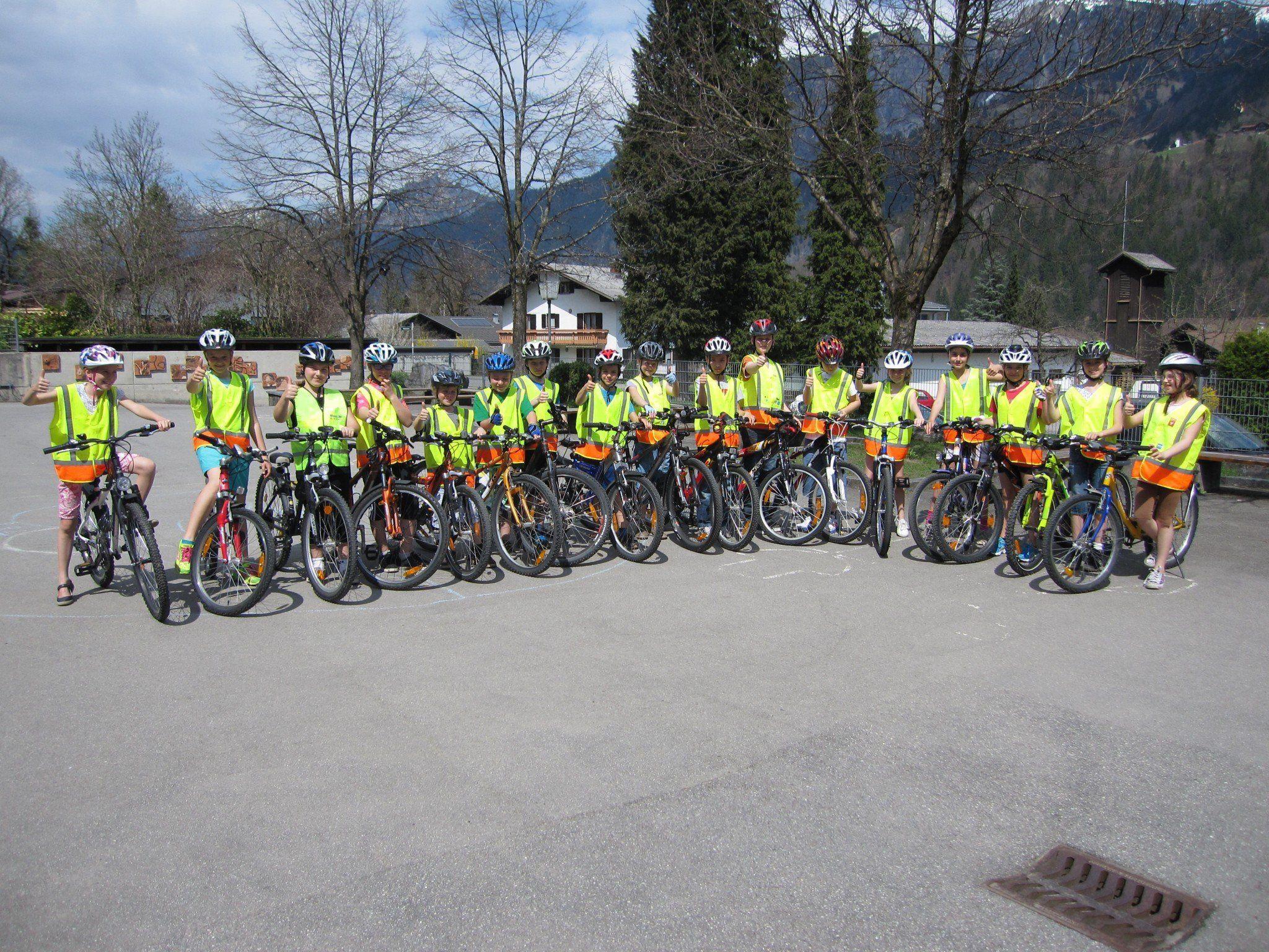 18 Kinder der VS-Vandans dürfen bald alleine mit dem Fahrrad unterwegs sein.