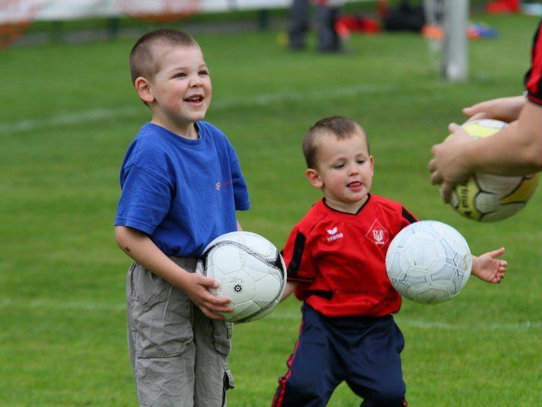 Viele neue Kids haben sich beim FC RW Rankweil für das Fußballspielen entschieden.