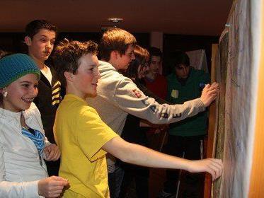 Viel Spaß hatten die Jugendlichen beim Workshop der Jugendkoordinatorin des Standes Montafon.