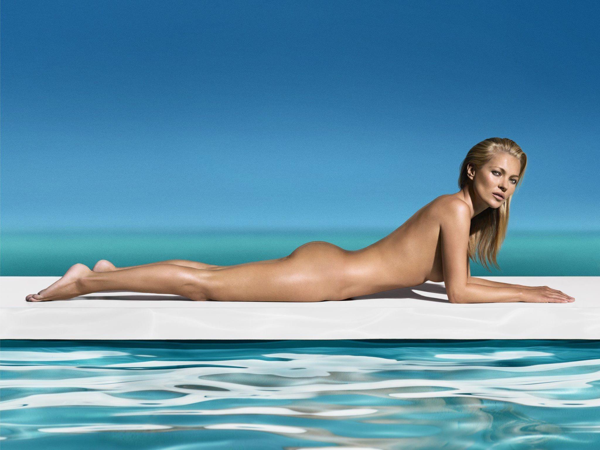 Sexy am Pool: Kate Moss macht Werbung für St. Tropez