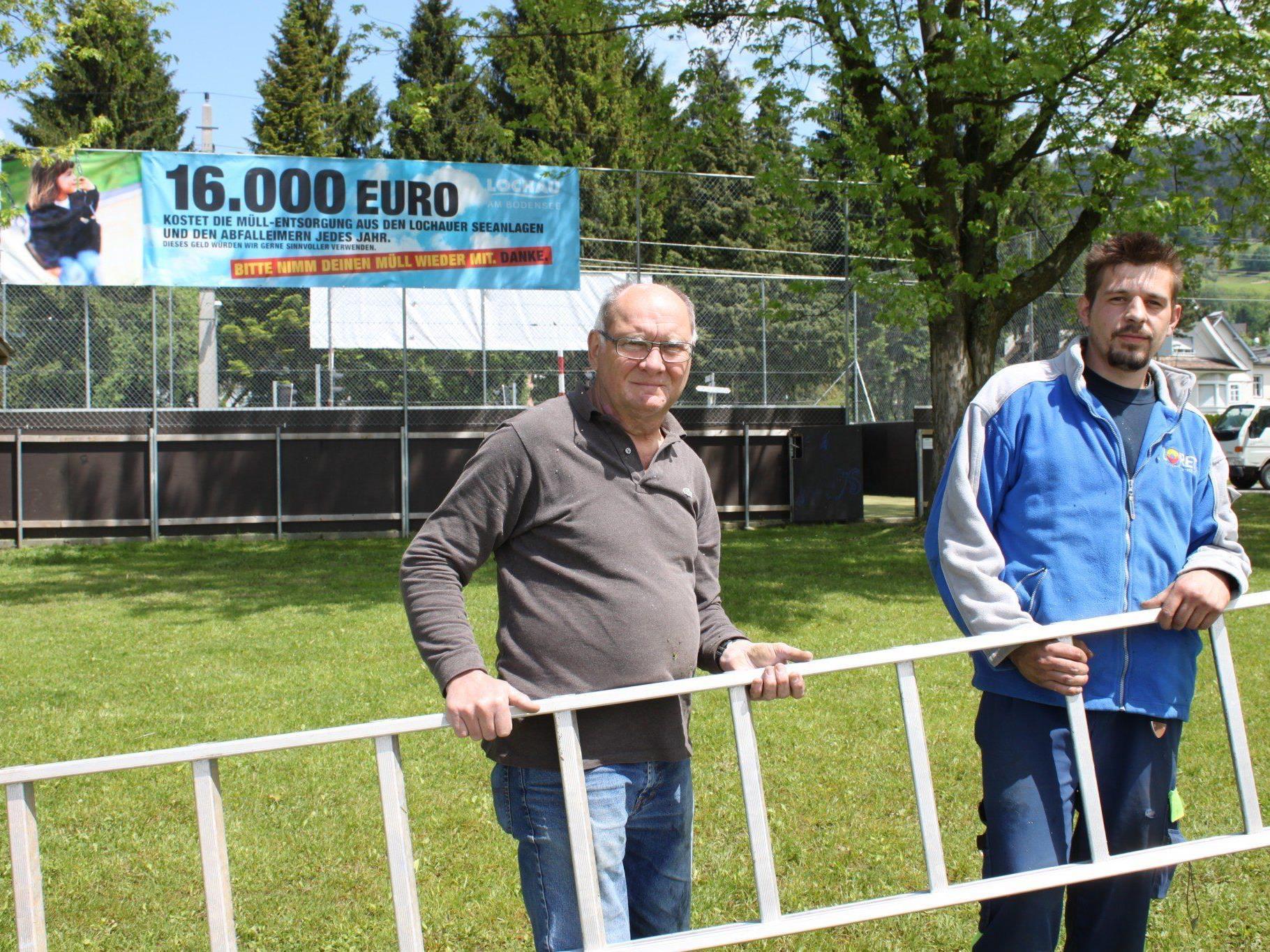 Mit unübersehbaren Transparenten fordert die Gemeinde Lochau zur Sauberhaltung der Freizeitanlagen am See auf.