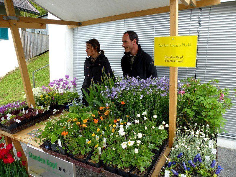 Allerlei Buntes, Kreatives und Pflanzliches gab es auf dem Gartenmarkt zu bewundern.