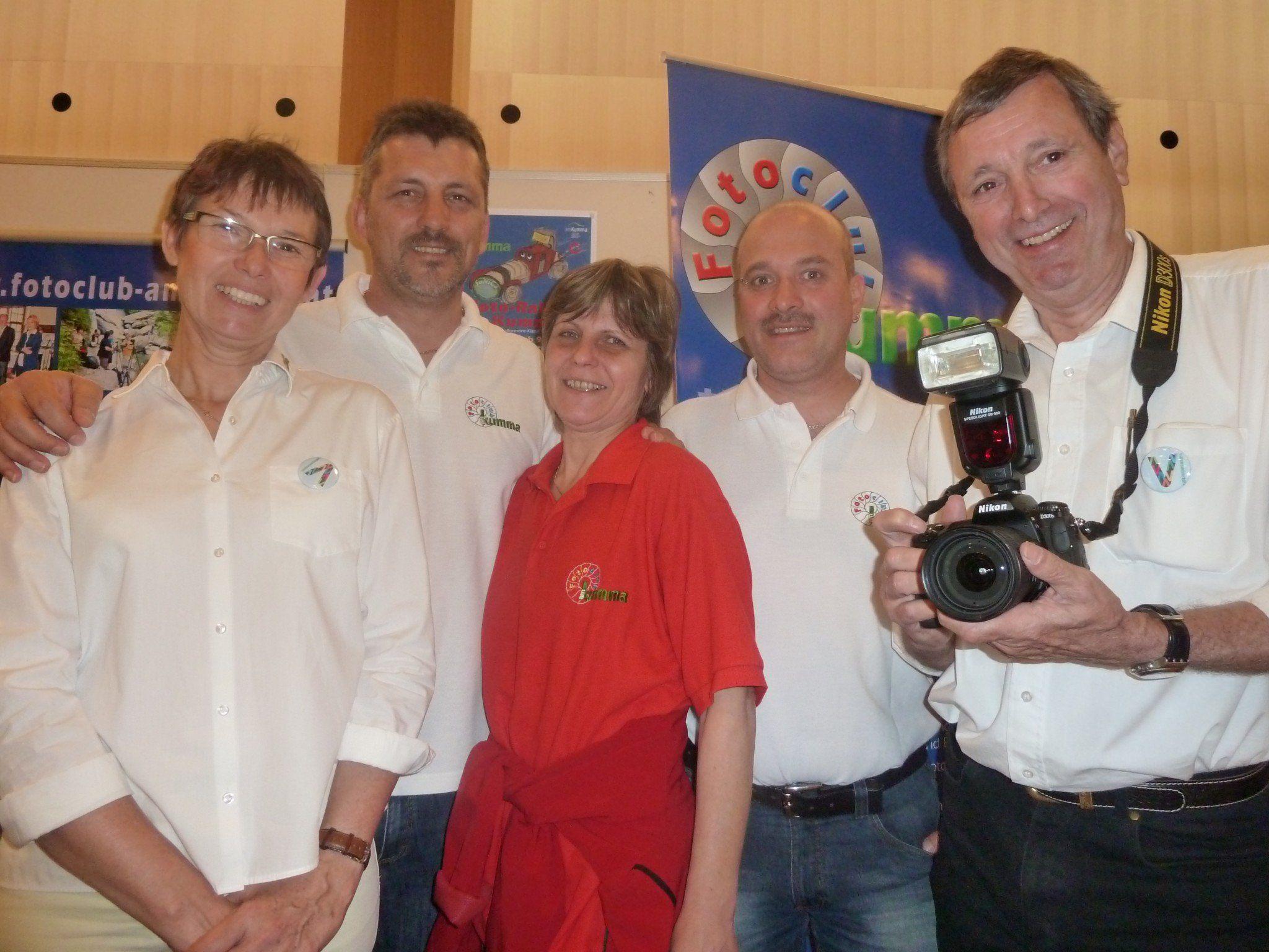 Karin Ströhle, Jürgen Grasmuck, Roswitha und Klaus Dornbach und Kurt Ströhle vom Fotoclub am Kumma freuen sich auf viele Anmeldungen.