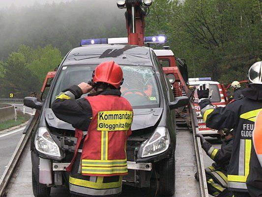 Beim Einsatz nach dem Unfall auf der S6