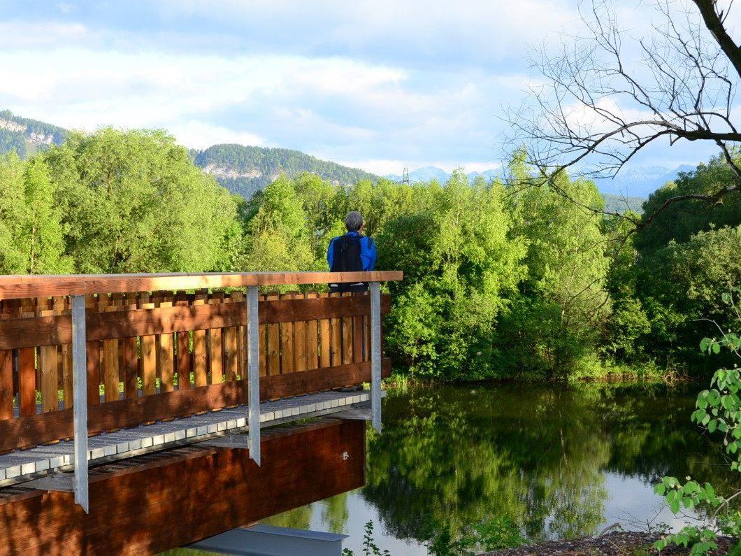 Die neue Aussichtsplattform gewährt einen schönen Blick über den See.
