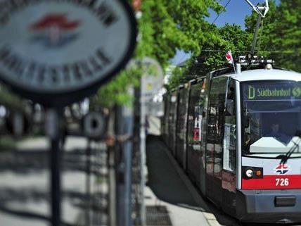 Auch in den ersten Bims ist schon die neue Stimme der Wiener Linien zu hören.