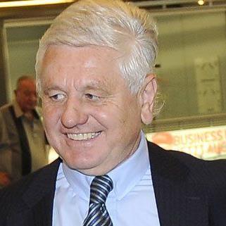 Ex-Vorstand Ernest Gabmann fordert vom Wiener Flughafen Bonuszahlungen.