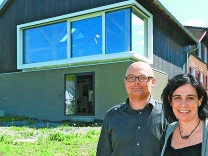 Alexandra und Hannes Zumtobel haben einen alten Stadel in Klaus saniert. Förderung bekamen sie keine.