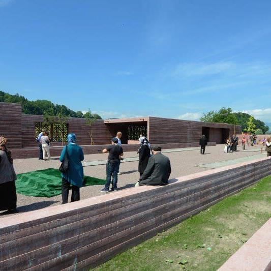 Im Juni 2012 wurde auf dem Gemeindegebiet von Altach der erste islamische Friedhof eröffnet.