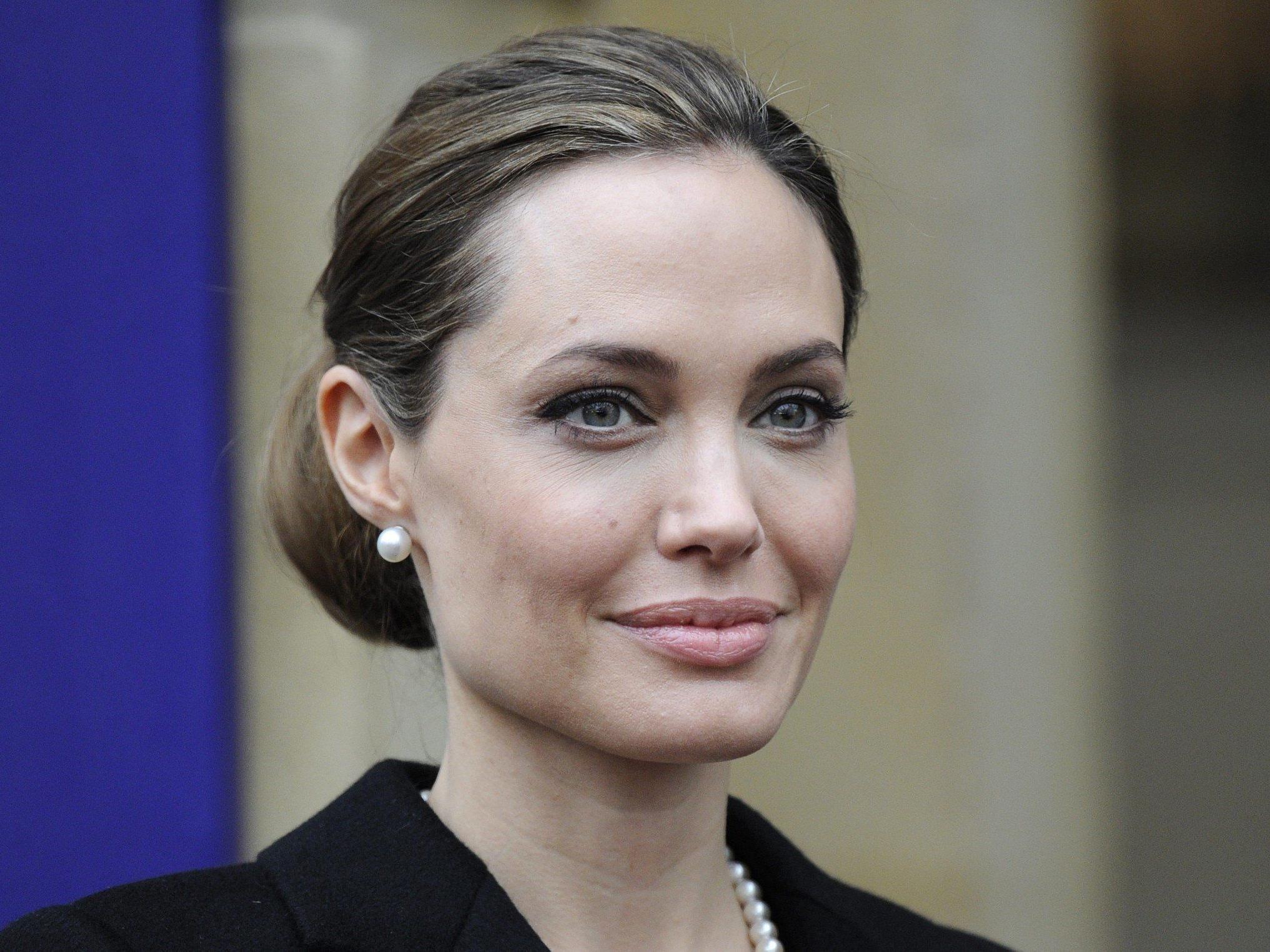 Angelina Jolie ließ sich als Vorsichtsmaßnahme beide Brüste entfernen.